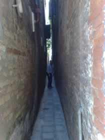 One of the narrowest alleys of Venice, very close to Ca' Do Pozzi